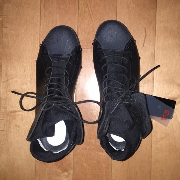 d3f5a2f99 Y-3 Yohji Yamamoto by Adidas Sneakers NWT